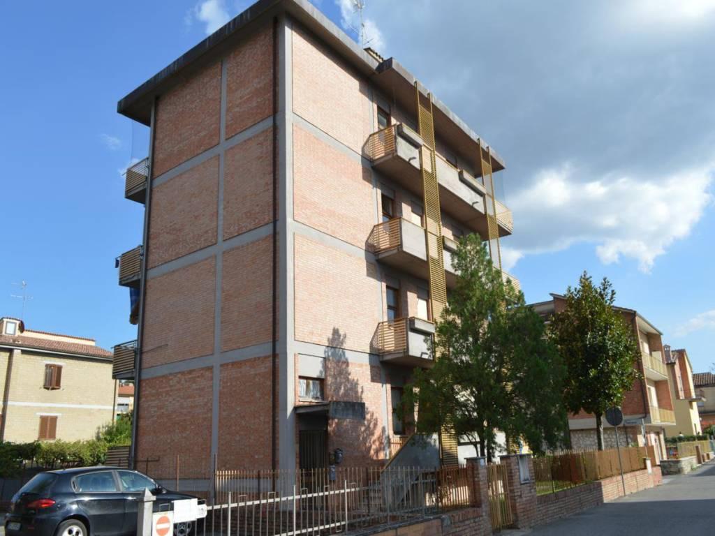 Appartamento in ottime condizioni in vendita Rif. 7912549
