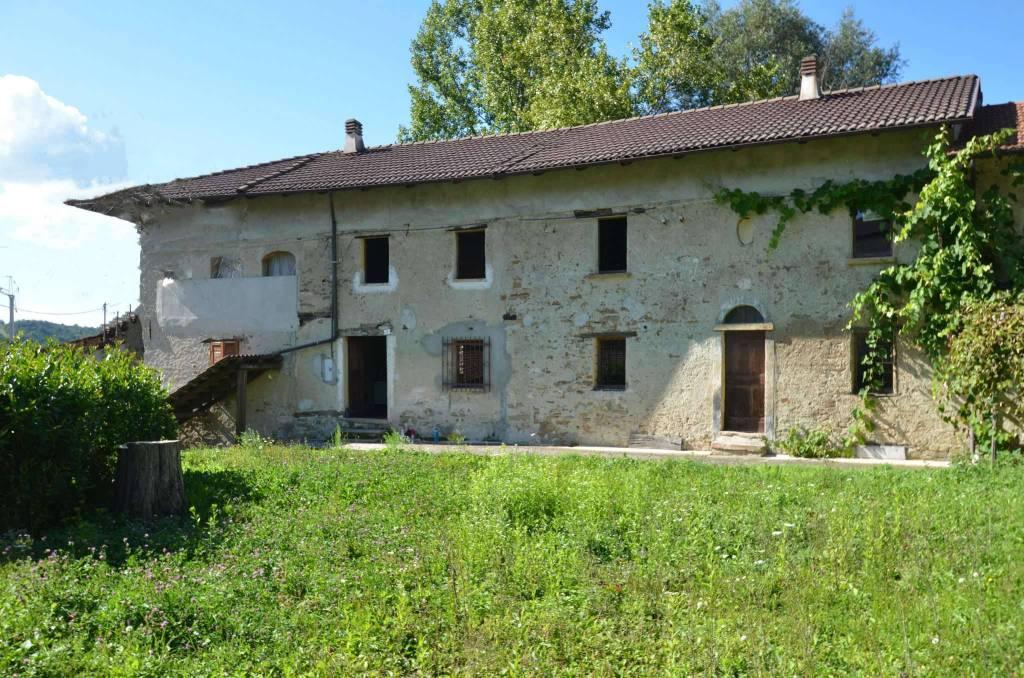 Rustico / Casale in buone condizioni in vendita Rif. 8560782