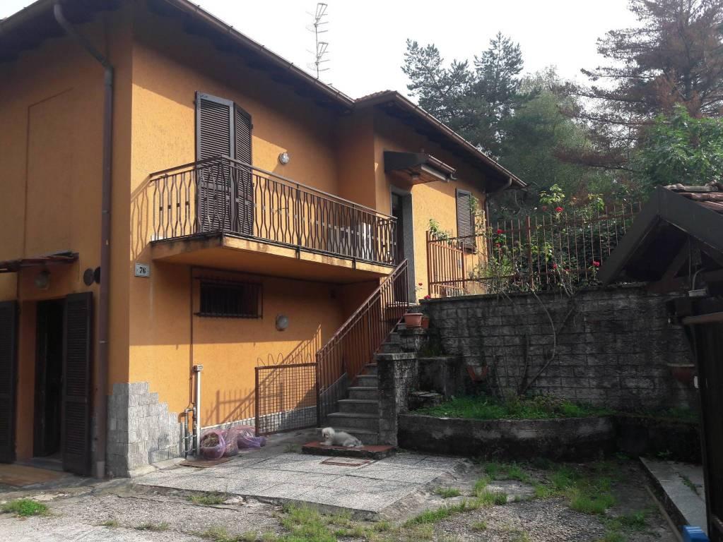 Villa in vendita a Varese, 5 locali, prezzo € 320.000 | CambioCasa.it