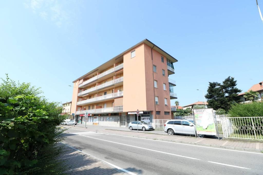 Appartamento in buone condizioni arredato in vendita Rif. 7910388