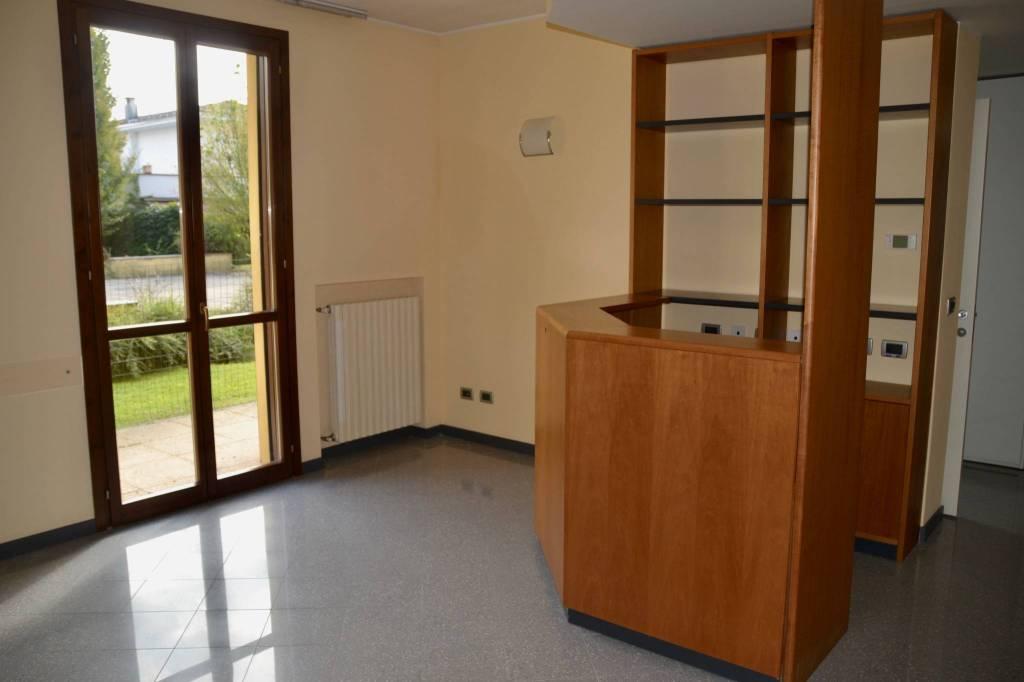 Ufficio / Studio in vendita a Cava Manara, 3 locali, prezzo € 145.000 | CambioCasa.it