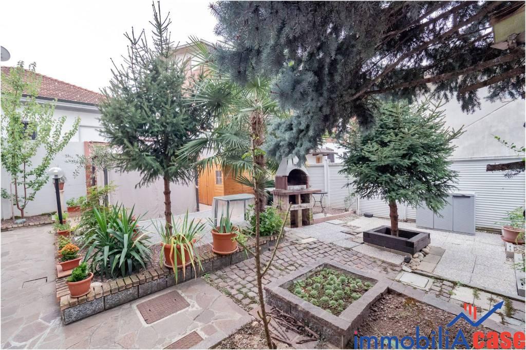 Appartamento in ottime condizioni in vendita Rif. 7912158