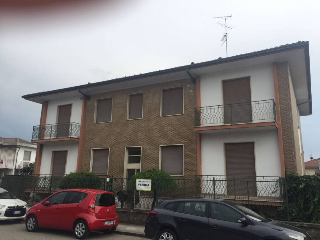 Villa in buone condizioni in vendita Rif. 7909812