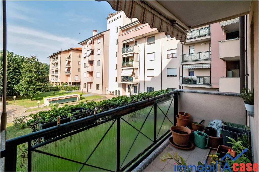 Appartamento in buone condizioni in vendita Rif. 7912159