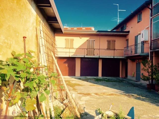 Appartamento in ottime condizioni in vendita Rif. 7910758