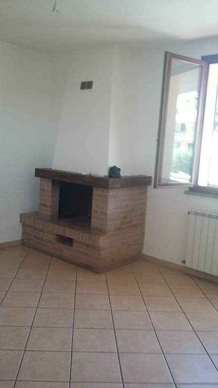 Appartamento in buone condizioni in affitto Rif. 7901409