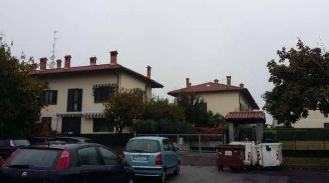 Appartamento in buone condizioni in vendita Rif. 7965151