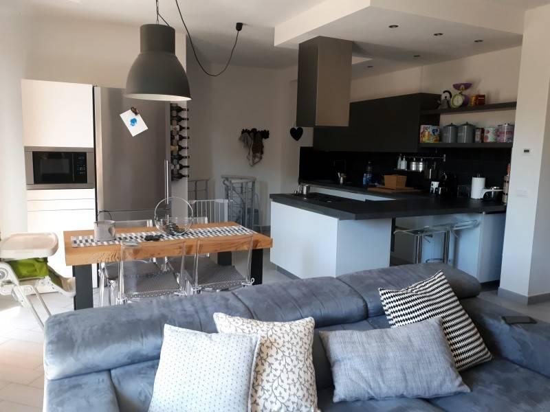 Appartamento in ottime condizioni in vendita Rif. 7909126