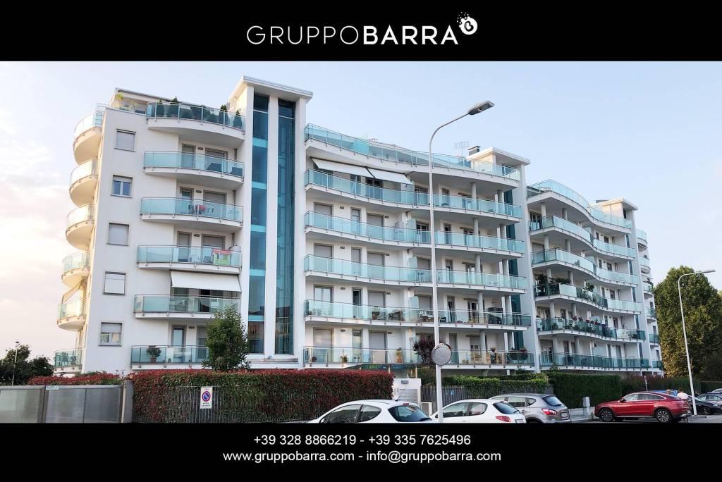 Appartamento in ottime condizioni parzialmente arredato in vendita Rif. 7912495