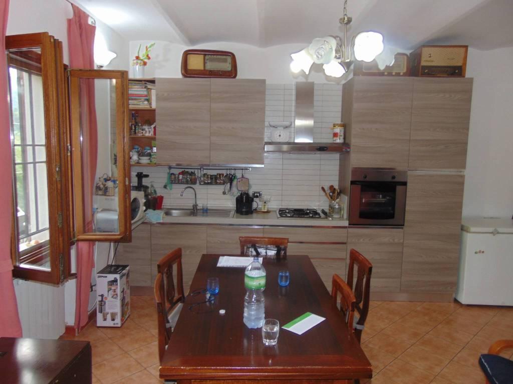 Appartamento in ottime condizioni arredato in vendita Rif. 7909863