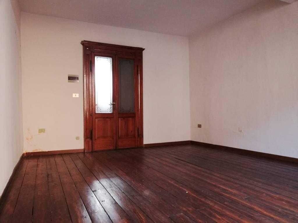 Appartamento trilocale in pieno centro storico!