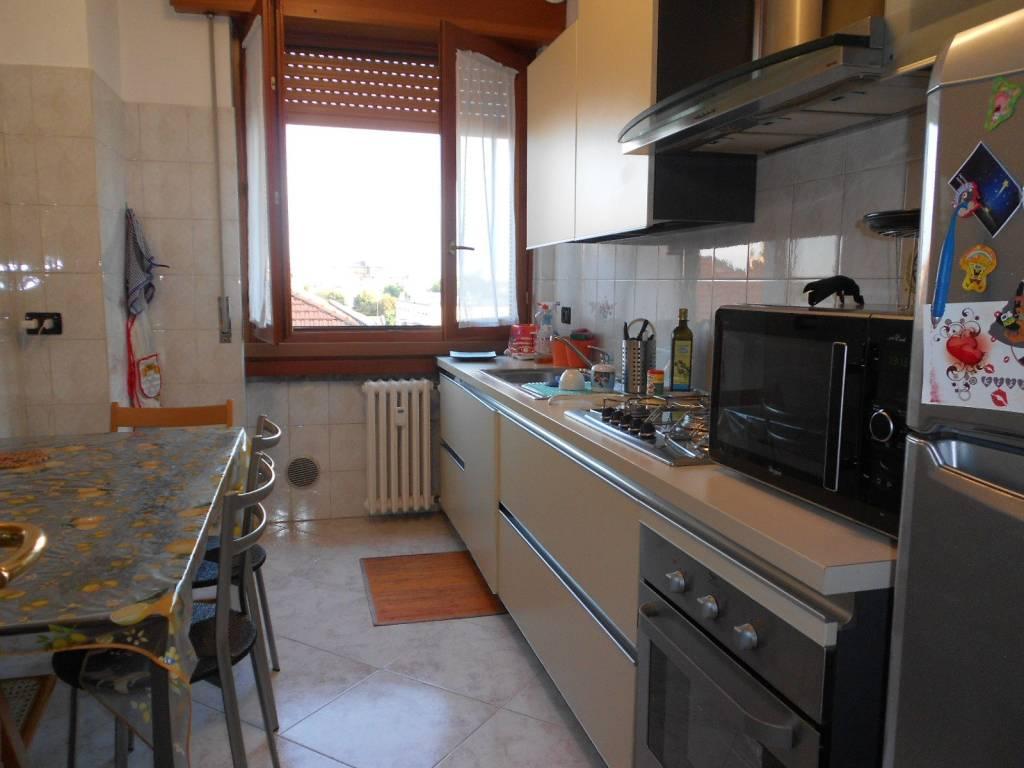 Appartamento in buone condizioni arredato in affitto Rif. 7909223