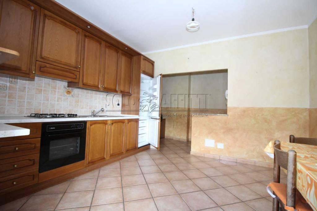 Appartamento in ottime condizioni arredato in affitto Rif. 7929154
