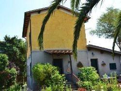 Rustico / Casale in buone condizioni in vendita Rif. 7934864