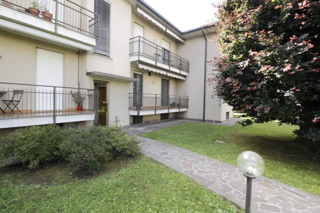 Appartamento in buone condizioni in vendita Rif. 7925205