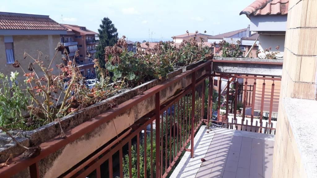 Appartamento in buone condizioni arredato in affitto Rif. 7929638