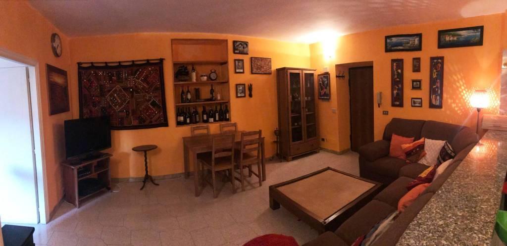 appartamento situato al centro storico di frascati .