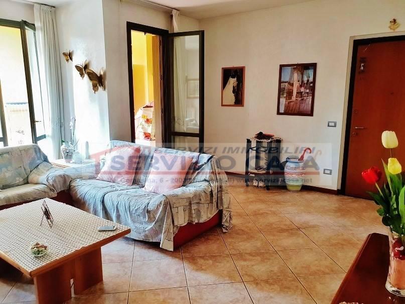 Appartamento in ottime condizioni in vendita Rif. 7929140