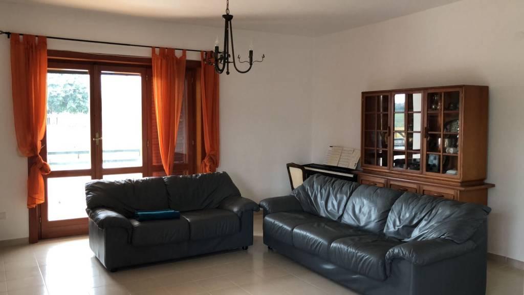 Appartamento in affitto a Pozzuoli, 3 locali, prezzo € 750   CambioCasa.it