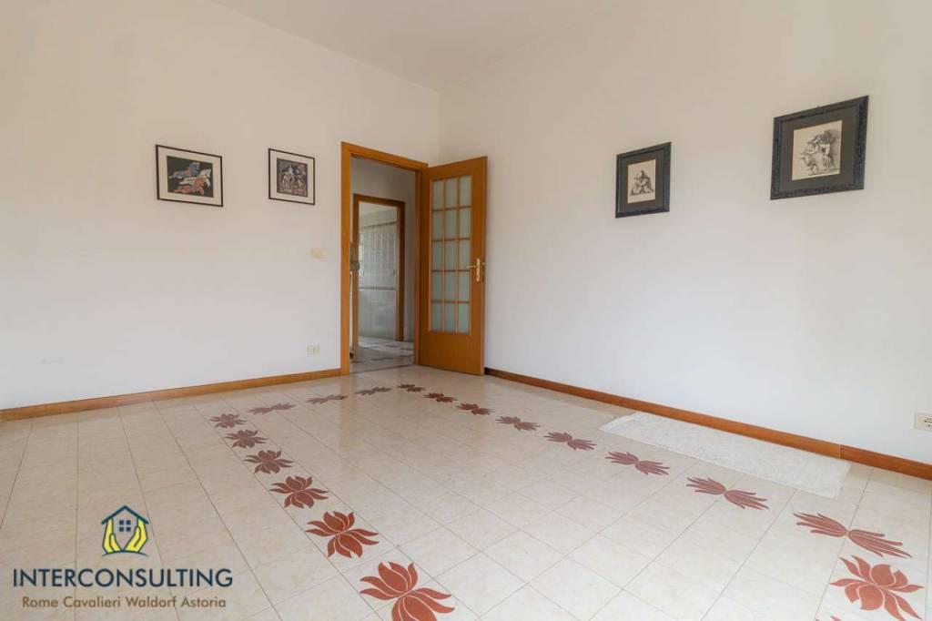 Appartamento in vendita a Roma, 3 locali, zona Zona: 41 . Castel di Guido - Casalotti - Valle Santa, prezzo € 190.000 | CambioCasa.it