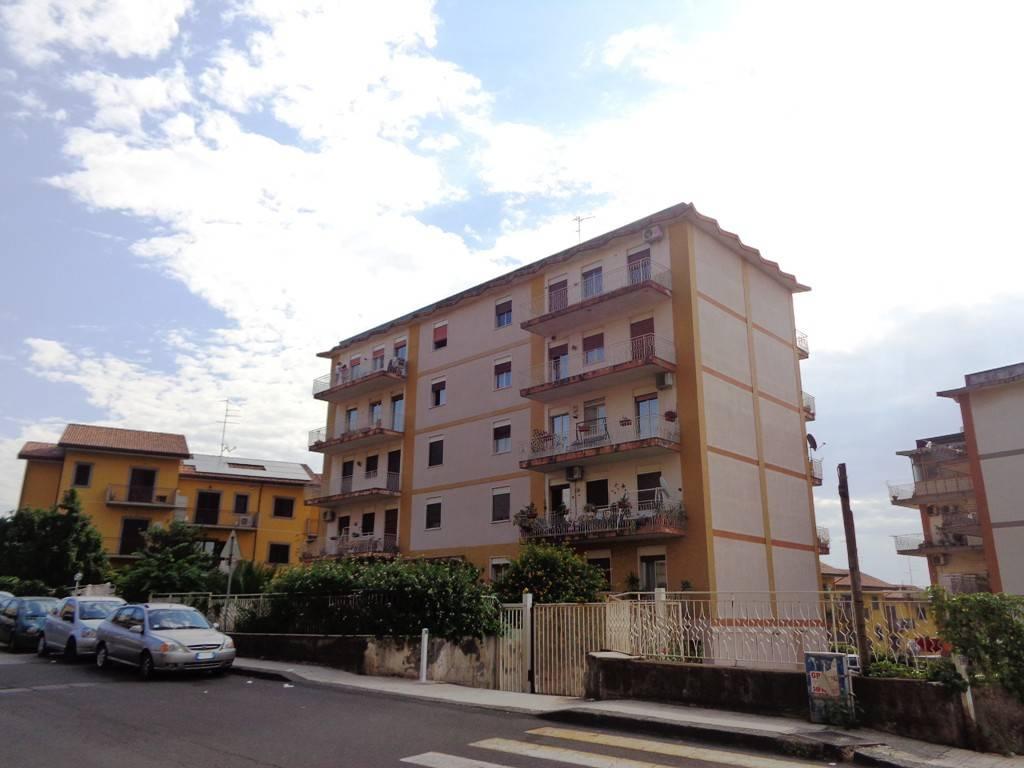 Appartamento da ristrutturare in vendita Rif. 7929043
