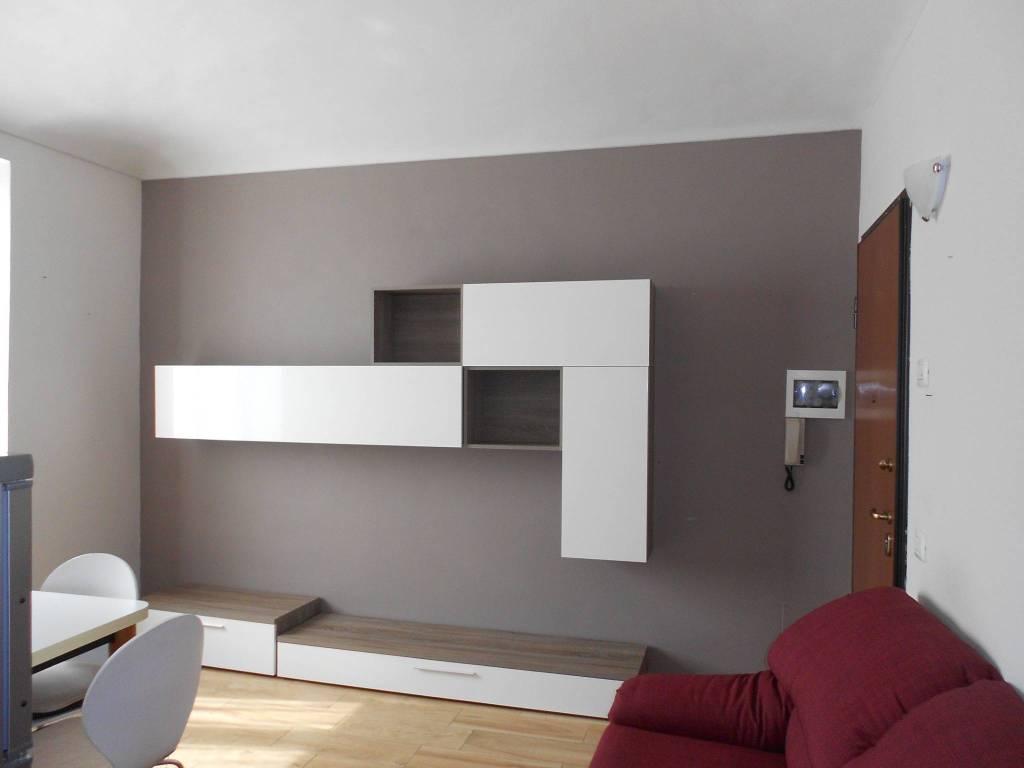 Appartamento in ottime condizioni arredato in vendita Rif. 7929758