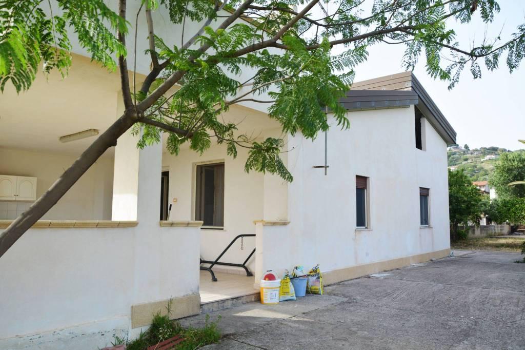 Villa arredato in vendita Rif. 7934161