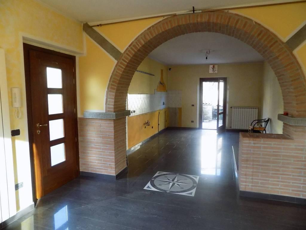 Appartamento in ottime condizioni in vendita Rif. 7933275