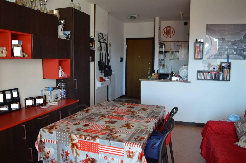 Appartamento in buone condizioni arredato in vendita Rif. 7933613