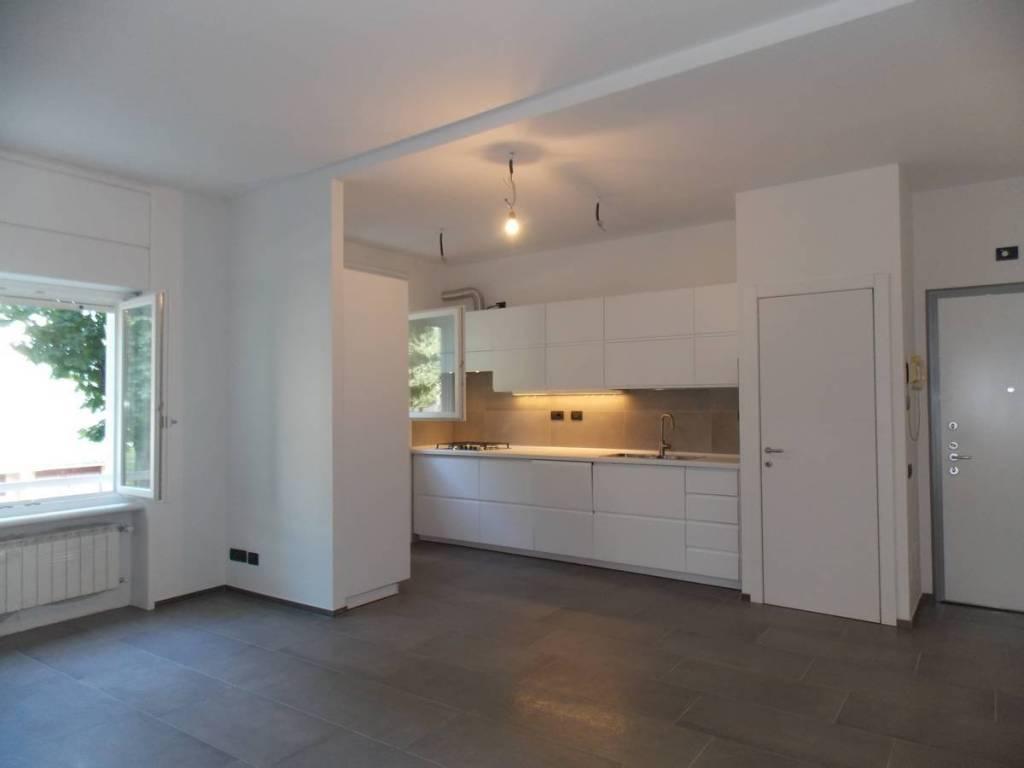 Appartamento in ottime condizioni parzialmente arredato in affitto Rif. 7927084