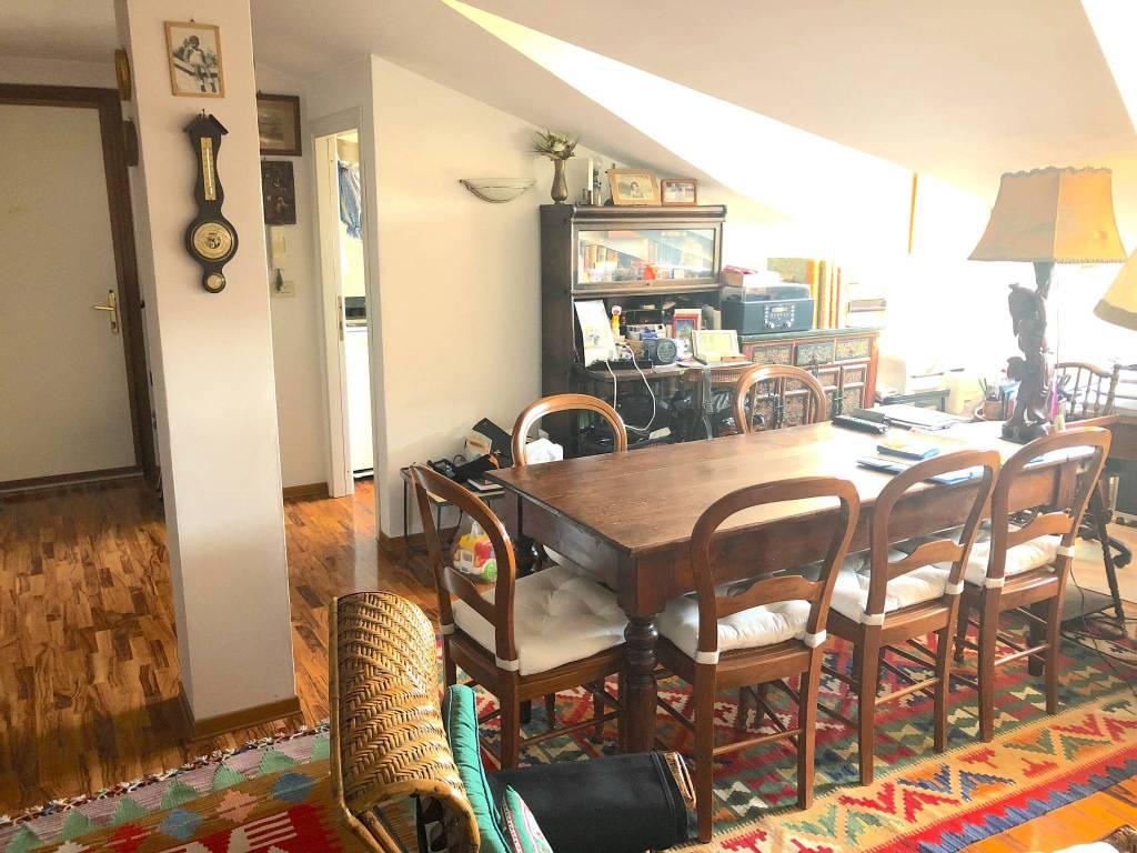 Appartamento in buone condizioni arredato in vendita Rif. 7928648