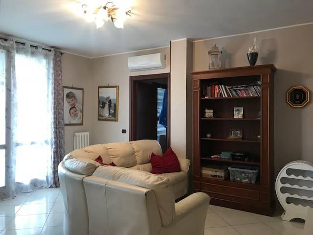 Appartamento in buone condizioni in vendita Rif. 7932137