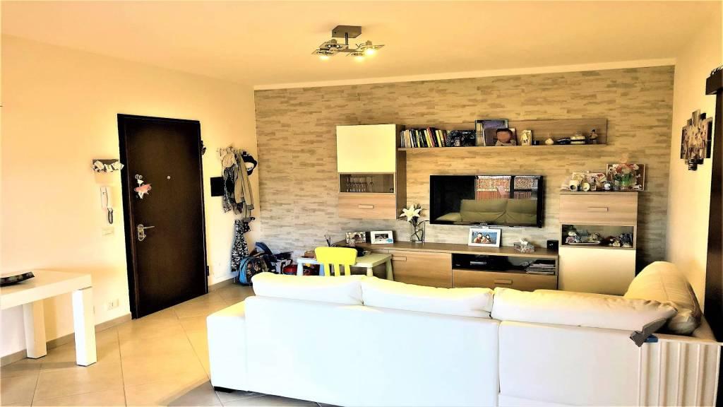 Appartamento in ottime condizioni in vendita Rif. 7932422