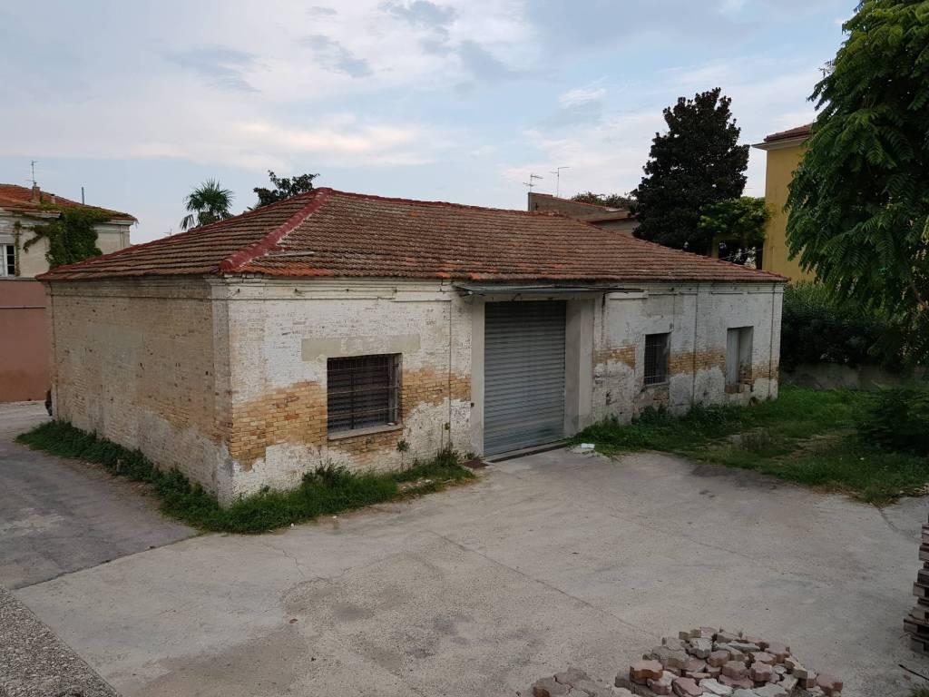 Magazzino - capannone in vendita Rif. 7925899