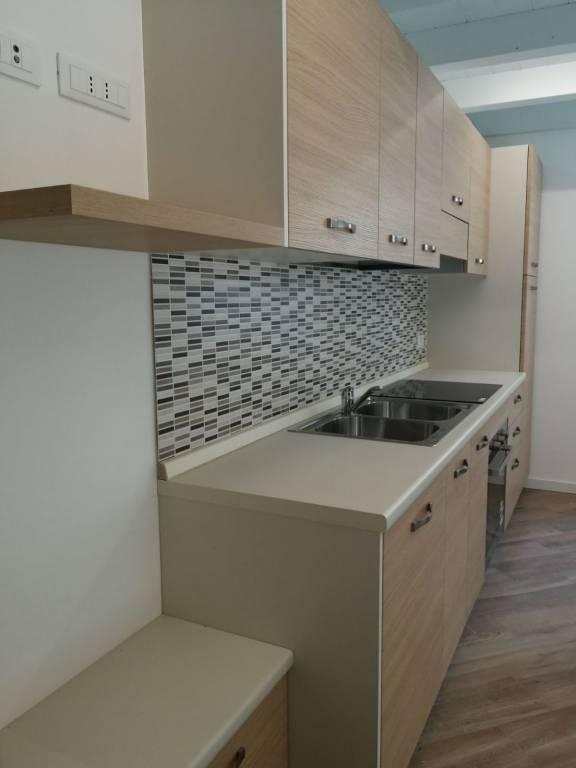 Appartamento in ottime condizioni arredato in affitto Rif. 5670481