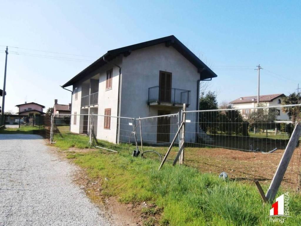 Appartamento in ottime condizioni in vendita Rif. 8735348