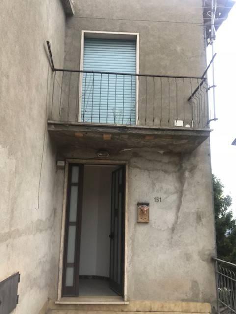 Appartamento da ristrutturare in vendita Rif. 7925620