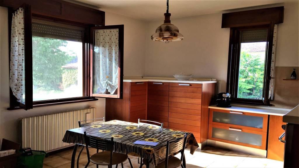 Villa in buone condizioni in vendita Rif. 7932423