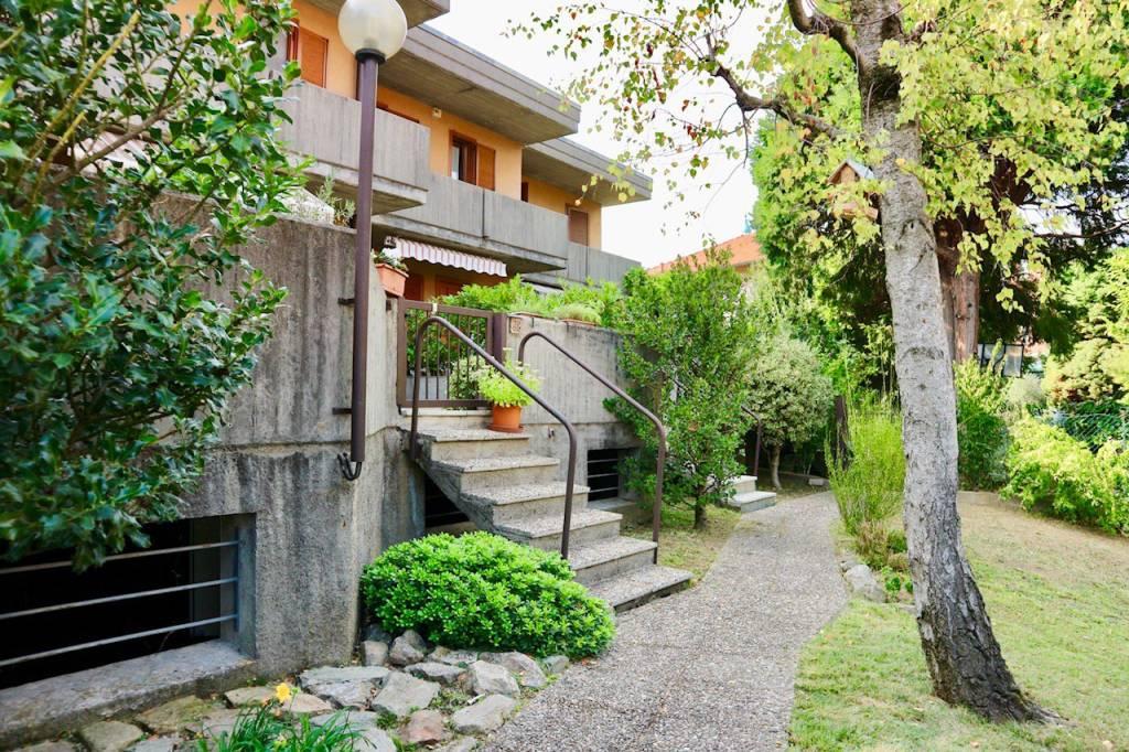 Villa a Schiera in vendita a Lipomo, 4 locali, prezzo € 250.000 | CambioCasa.it