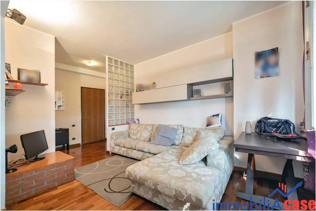 Appartamento in ottime condizioni parzialmente arredato in vendita Rif. 7935007