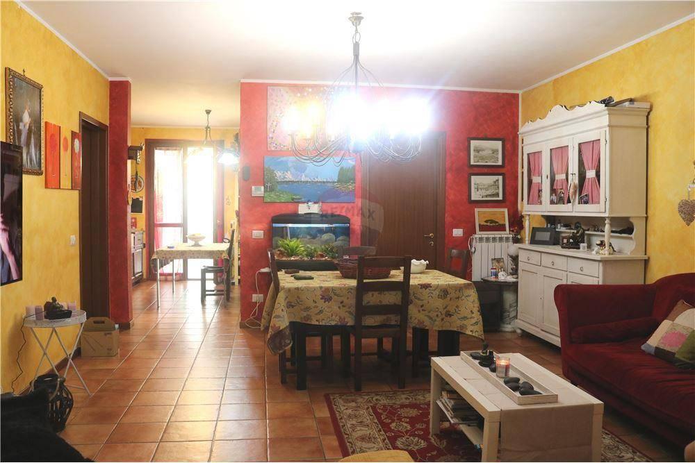 Villa a Schiera in vendita a Manerbio, 6 locali, prezzo € 220.000 | CambioCasa.it