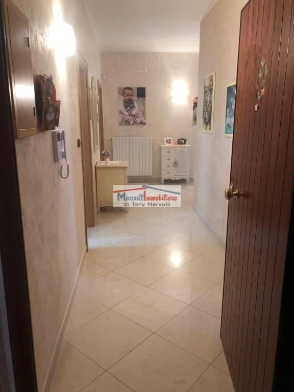 Appartamento in ottime condizioni in vendita Rif. 8198315