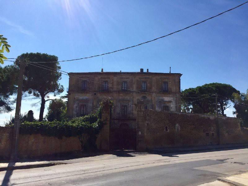 Villa in Vendita a Caltagirone Centro:  5 locali, 1200 mq  - Foto 1