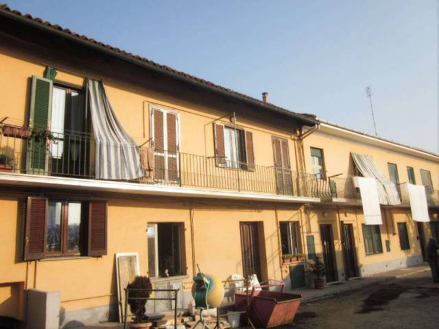 Appartamento in buone condizioni in affitto Rif. 7200053