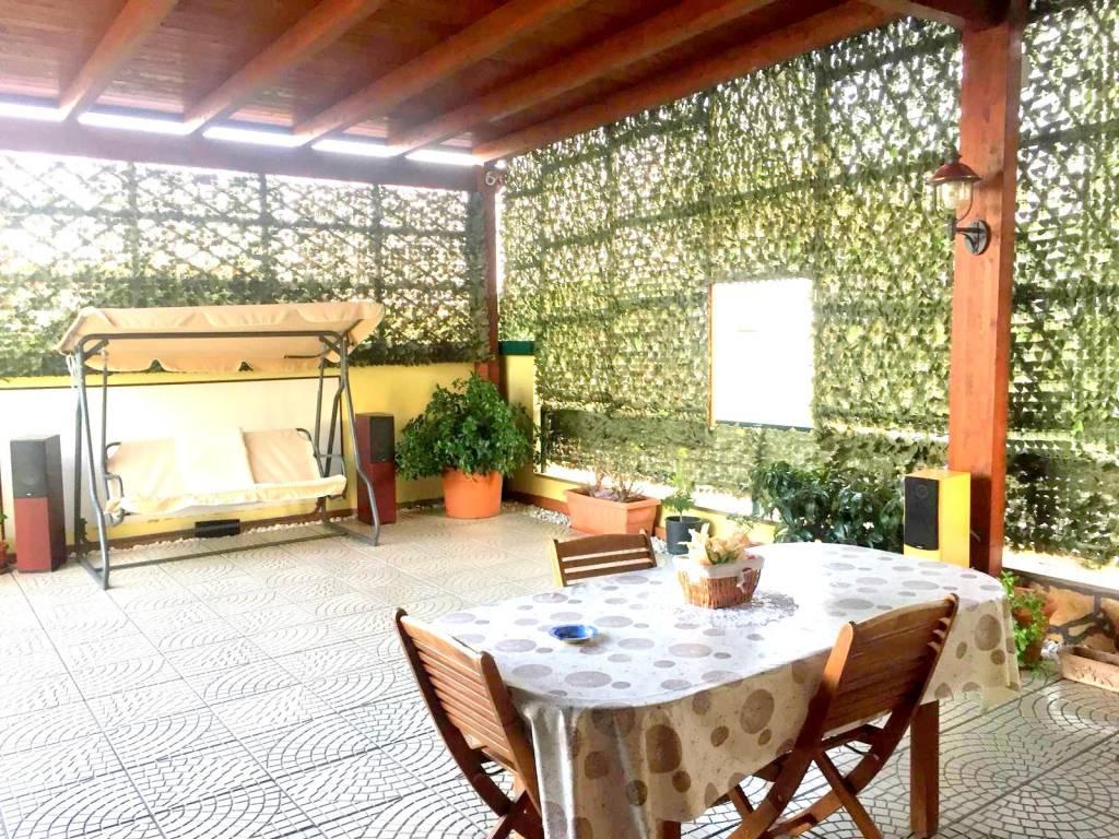 Appartamento in ottime condizioni in vendita Rif. 7929649