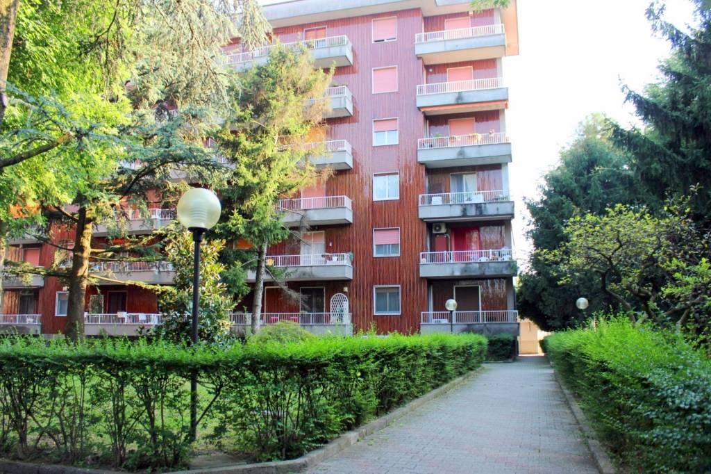 Appartamento in buone condizioni in vendita Rif. 7933001