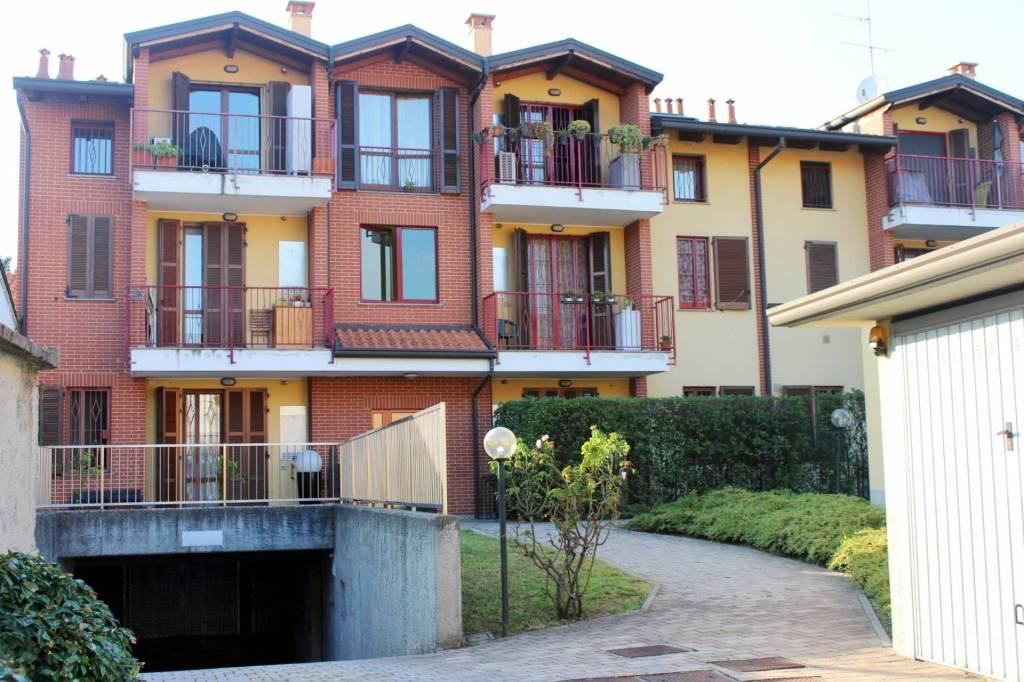 Appartamento in buone condizioni in vendita Rif. 7933002
