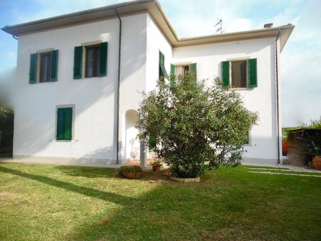 Appartamento in ottime condizioni in vendita Rif. 7927353