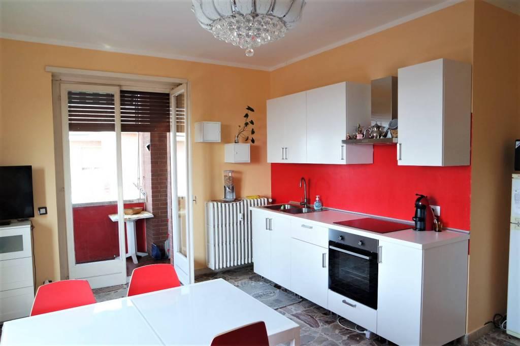 Appartamento in buone condizioni in vendita Rif. 7932133