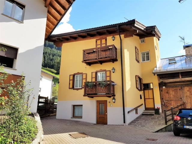 Appartamento in ottime condizioni arredato in vendita Rif. 4289934